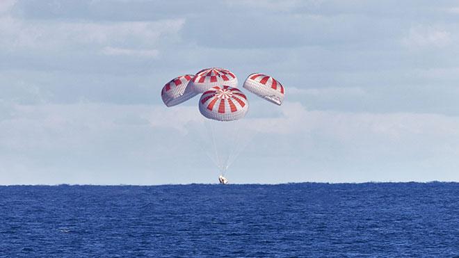 """Başarı katlandı; SpaceX """"Crew Dragon"""" Dünya'ya döndü [Video]"""